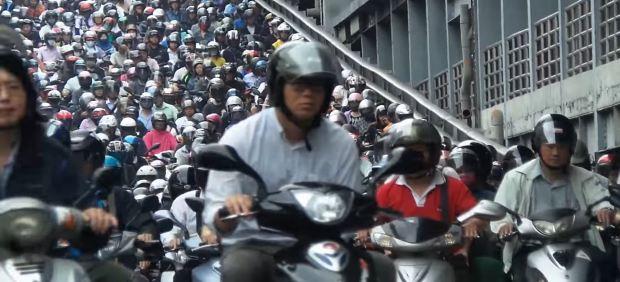 Así es el tráfico de scooters en la ciudad de Taipei