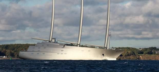 Yate Sailing Yacht A