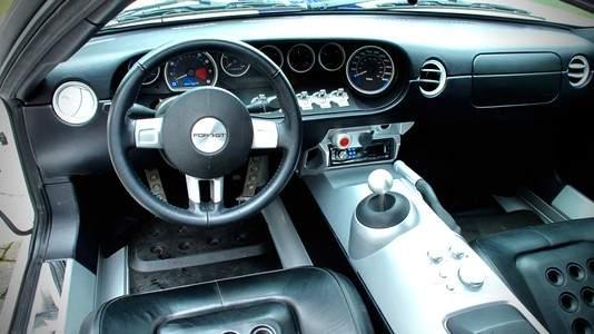 Interior del Ford GT de Jenson Button.