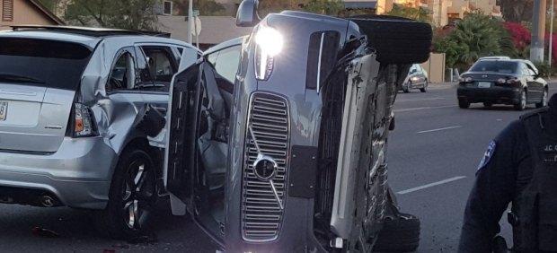 Uber paraliza sus pruebas con coches autónomos