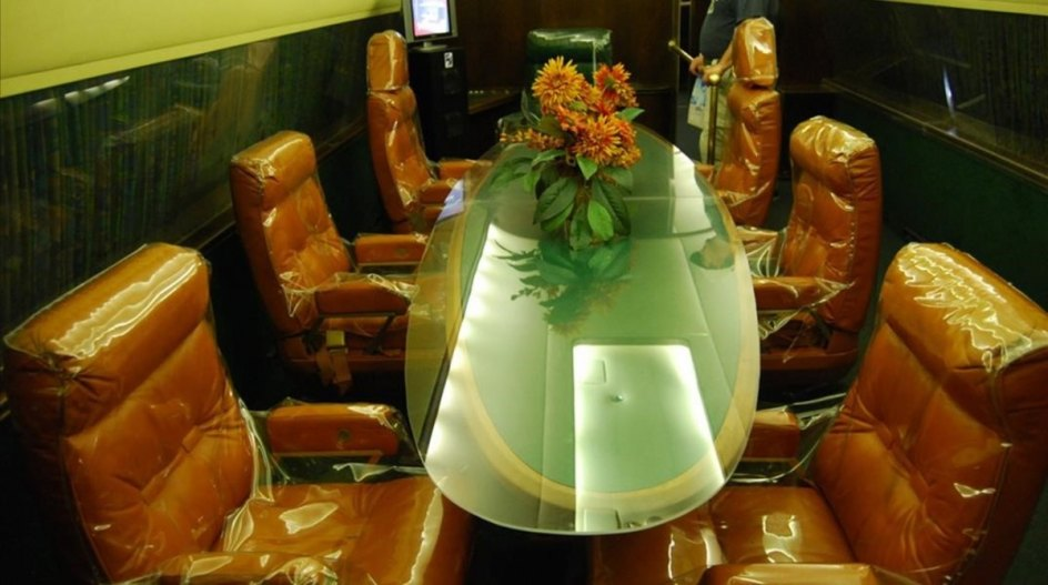 Interior del jet privado de Elvis Presley.