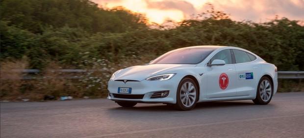 Tesla Model S100D