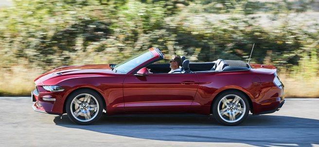 Ford Mustang descapotable