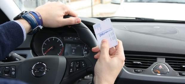 Tengo que renovar el carné de conducir: ¿qué documentación necesito?