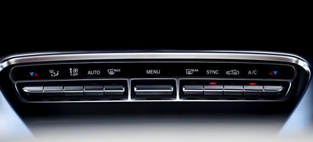 ¿Afecta el aire acondicionado a la potencia de mi coche?