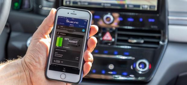Así funciona el nuevo servicio de coche conectado de Hyundai con información en tiempo real