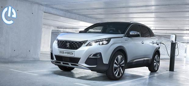 Híbrido enchufable y con tracción integral, así es el Hybrid 4 de Peugeot.