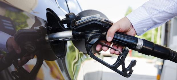 ¿Quieres ahorrar en combustible? Sigue estos consejos